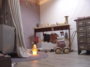 paarse babykamer